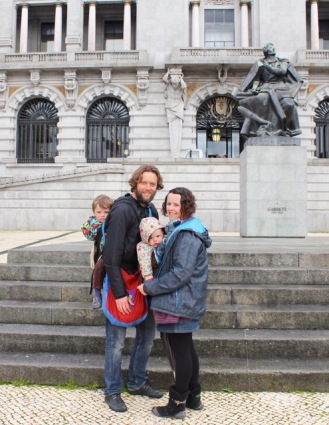 Babywearing in Porto