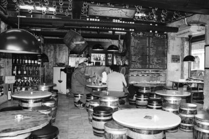 Tábuas Porto Wine Tavern