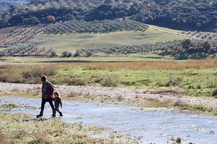 rio-pesquera_crossing-the-river
