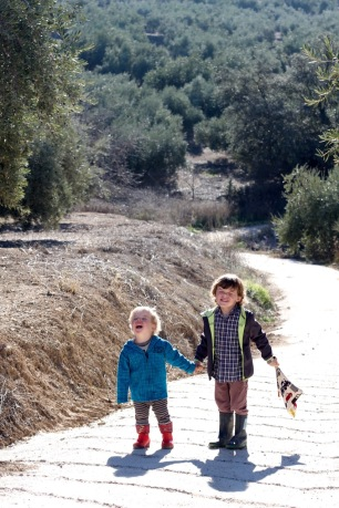 Walking & Hiking With Children Tips Let them Carry some toys